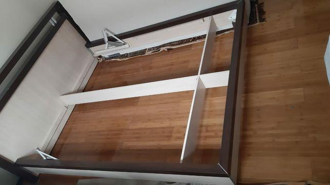 Продам двуспальную б/у кровать 2000×1600
