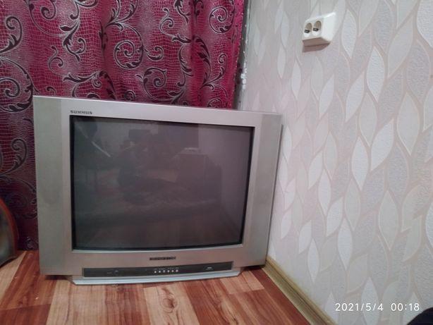 Продам недорого большое телевизор