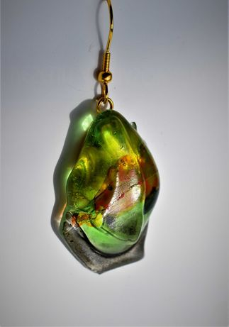 Oбеци  са изработени от мурано стъкло. Тенологично сливане Fusing .
