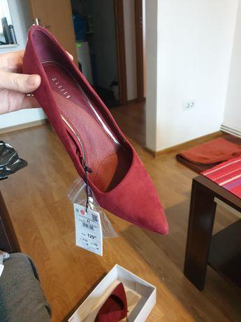 Pantofi cu toc marimea 41