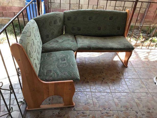 Угловой диван (мягкий уголок)
