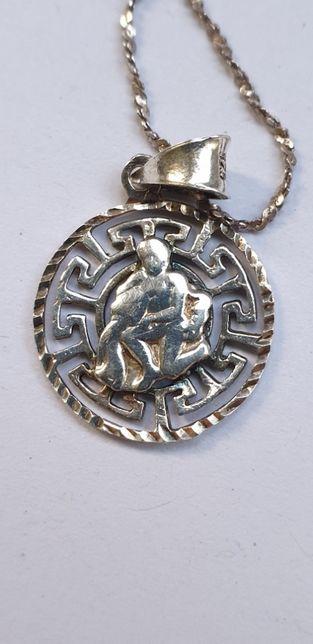 Pandant zodia Varsator impreuna cu un lant din Argint 925