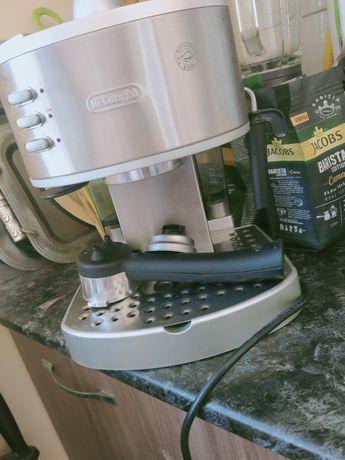Delonghi  Cappuccino and 15 bar espresso coffee maker.