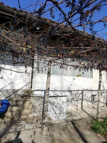 Къща с двор в гр. Смядово