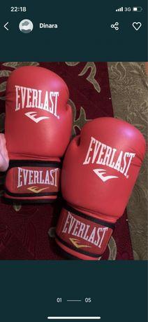 Боксерская перчатка для взрослых