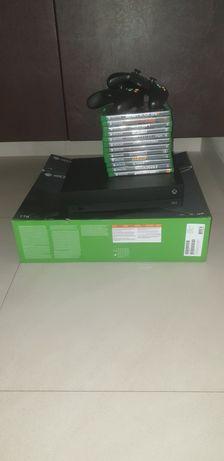 Xbox one x 1tb+2 controllere+12 jocuri