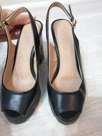 Отдам даром туфли