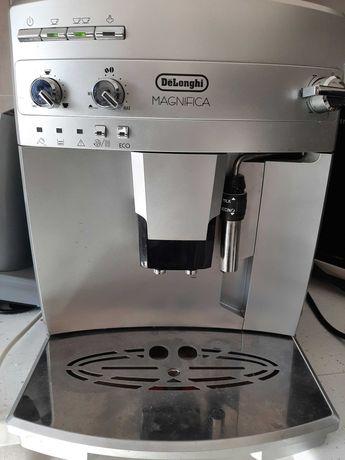 Expresor De cafea DeLonghi Magnifica