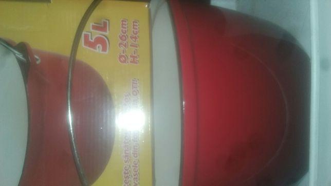 Tuciuri fonta emailat 22 cm 3 l si diam26 cm, h14, 5 litri, masa 4kg,
