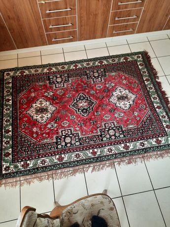 Vând carpet 145/190