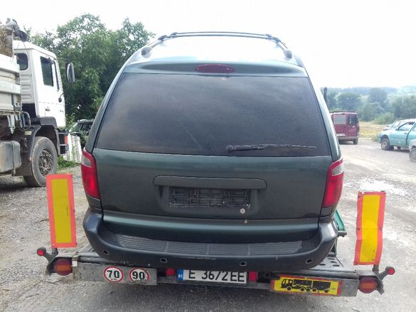 Dodge Grand Caravan-04г/3,3/180к.с.-на части