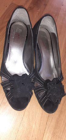 Pantofi decupati toc mic ,piele naturala mas.38