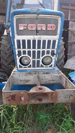 Tractor Ford și utilaje