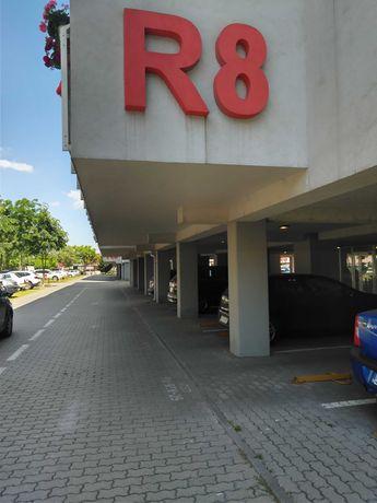 DE ÎNCHIRIAT sau DE VÂNZARE Parcare acoperită ARED UTA R8.