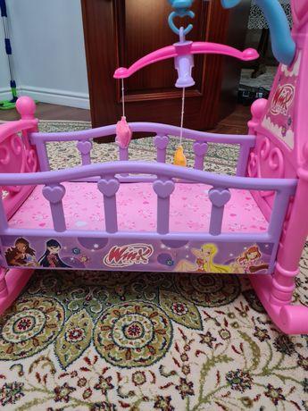 Игрушечная детская кровать