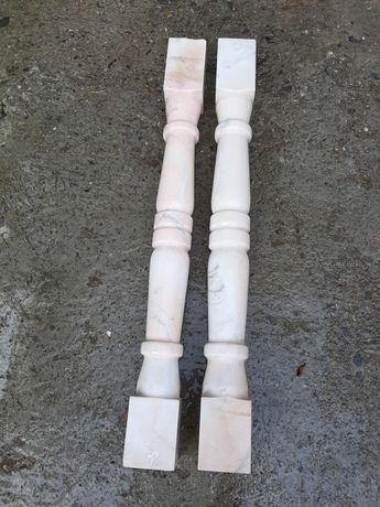 Stalpi din marmură