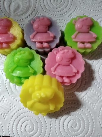 Ароматни глицеринови сапунчета с прасенцето Пепа