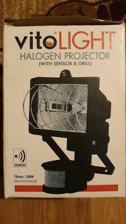 Халогенен прожектор със сензор + крушка