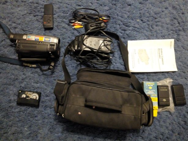 Продаю камеру Sony CCD-TR740E