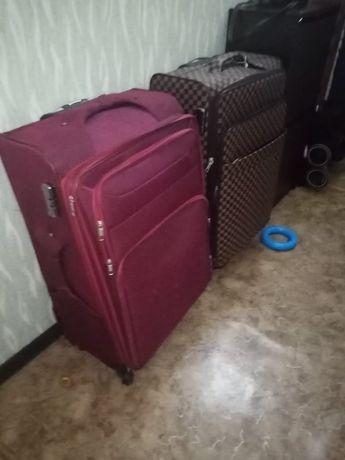 Продам чемоданы