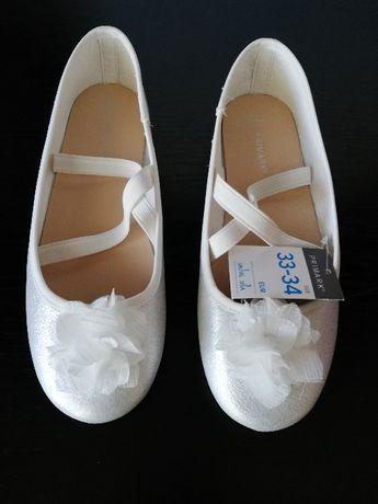 Pantofi NOI albi cu floricica alba 33/34 (21cm)
