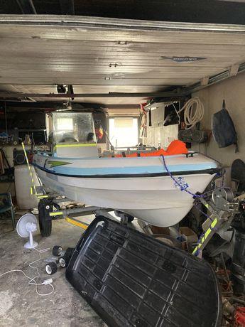 Barcă cu motor Honda 40 cp-Schimb cu auto