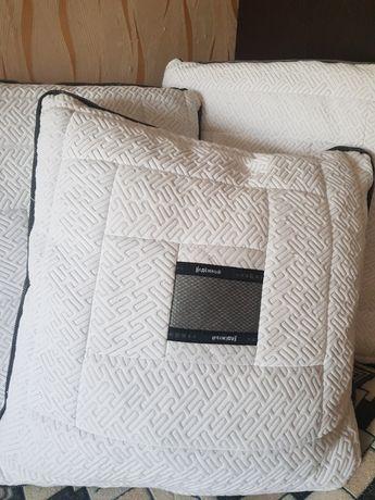 подушки новые 5 шт