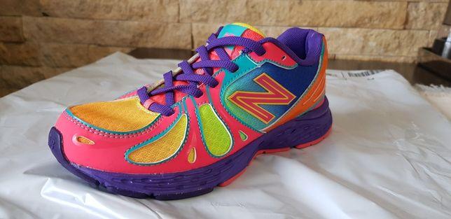 Vand pantofi sport fete mărime 35 New Balance