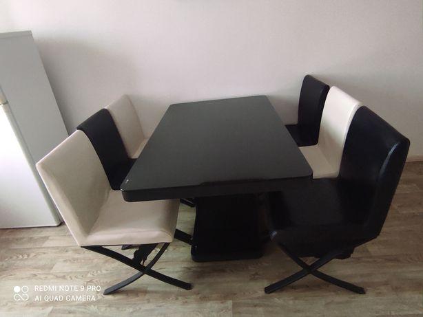Продам стол а идеальном состоянии
