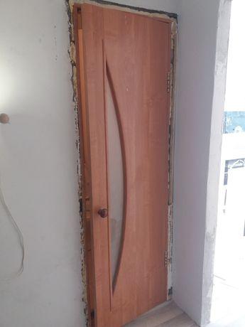 Продам 2 двери 60 см