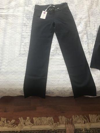 Школьные формы, брюки и юбки для девочек