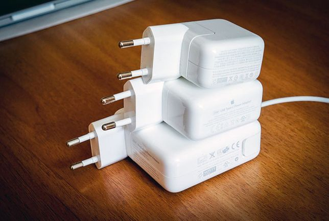 от МАКБУК macbook к magsafe и на type-c зарядки блоки питания разные
