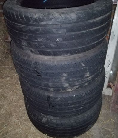 Подавам гуми.