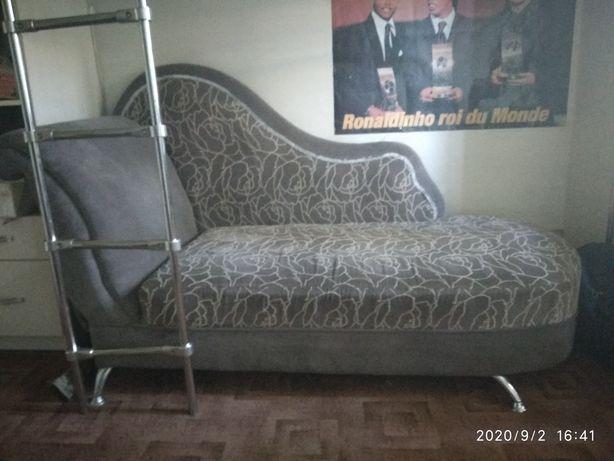 Продам софу (небольшой диван) в идеальном состоянии