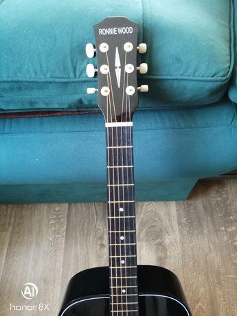 Гитара в отличном состоянии продаю