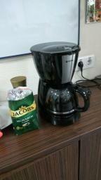 Кофеварка Vitek практически новая