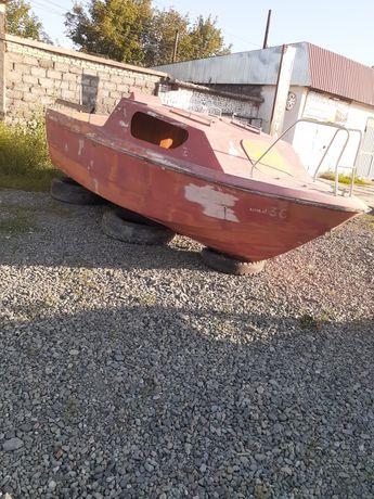 Продам Катер моторный,Яхта,по цене лодки