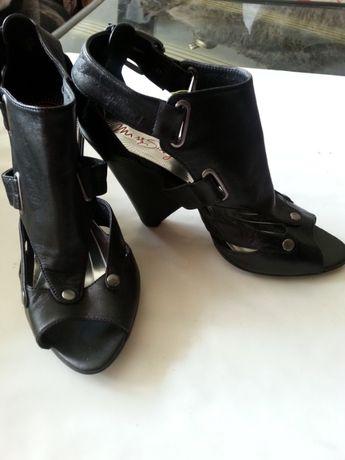 Модерни и практични обувки