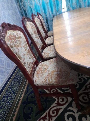 Продам стол и стульчики
