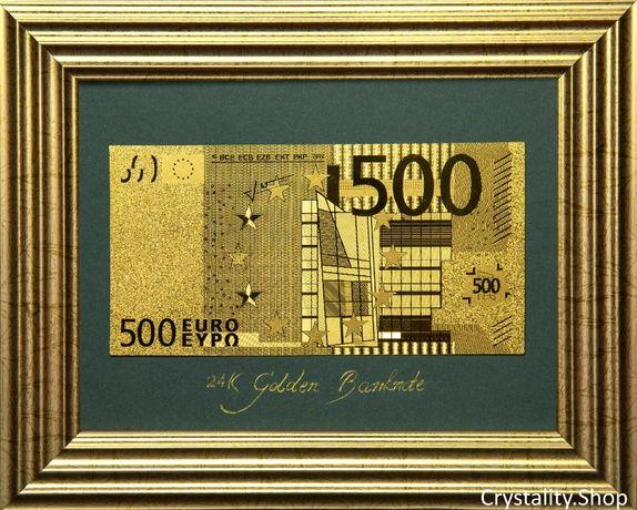 Златна банкнота 500 Евро на сив фон в рамка под стъклено покритие