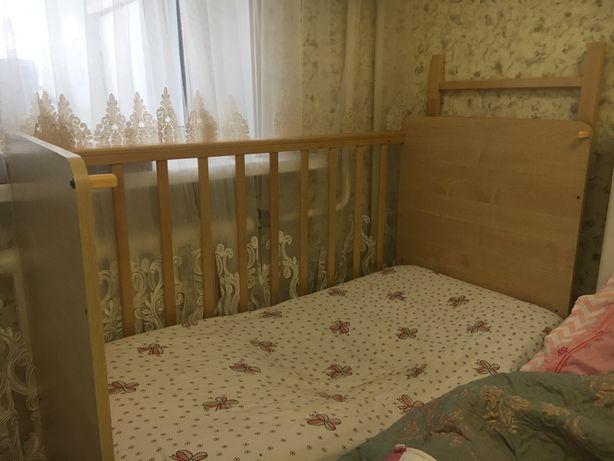 Продается детский кровать,манеж