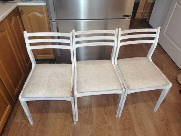 Продам 3 стула. Прочные