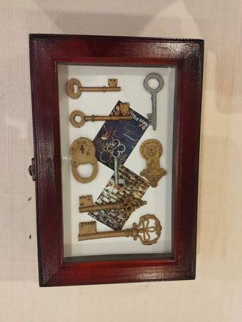 Подвесной шкафчик для ключей