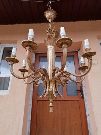Candelabru vechi de bronz cu 8 brate.