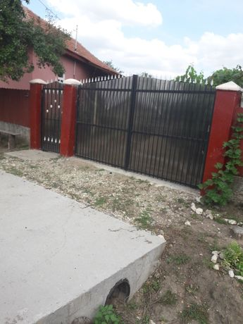 Casa de vanzare in localitatea drincea