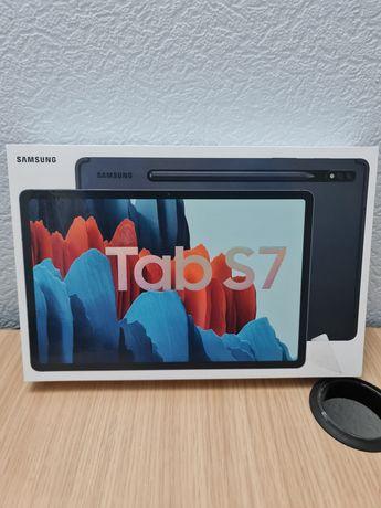Продам планшет Samsung Tab S7 в подарок чехол