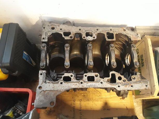 Piese motor 2.0 dci renault trafic