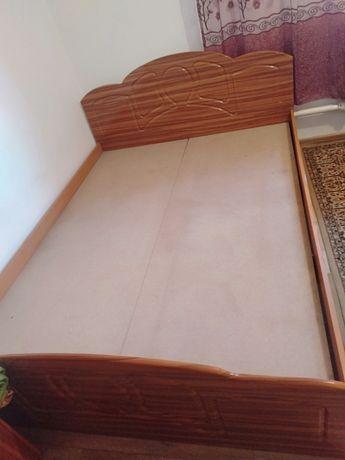 Кровать, без матраса