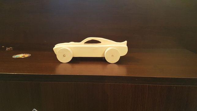 Jucării din lemn realizate manual