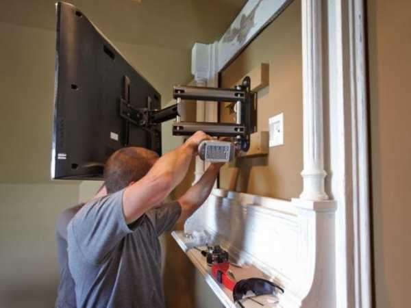Установка  телевизора , подвеска кронштейна крепления на стену